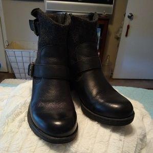 boc Black leather bootie